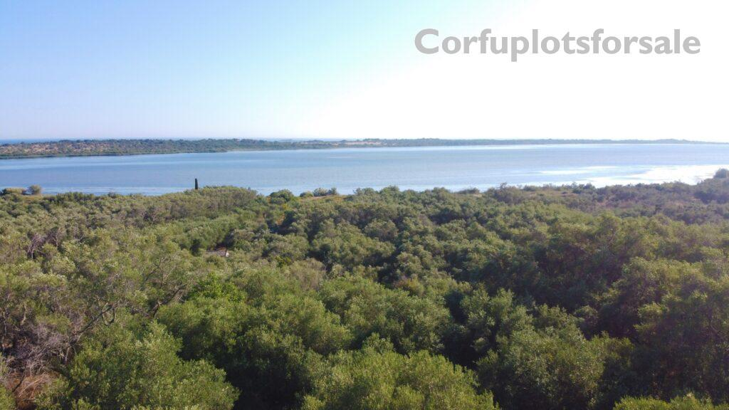 Interesting piece of land close to a beautiful lake in a quiet area