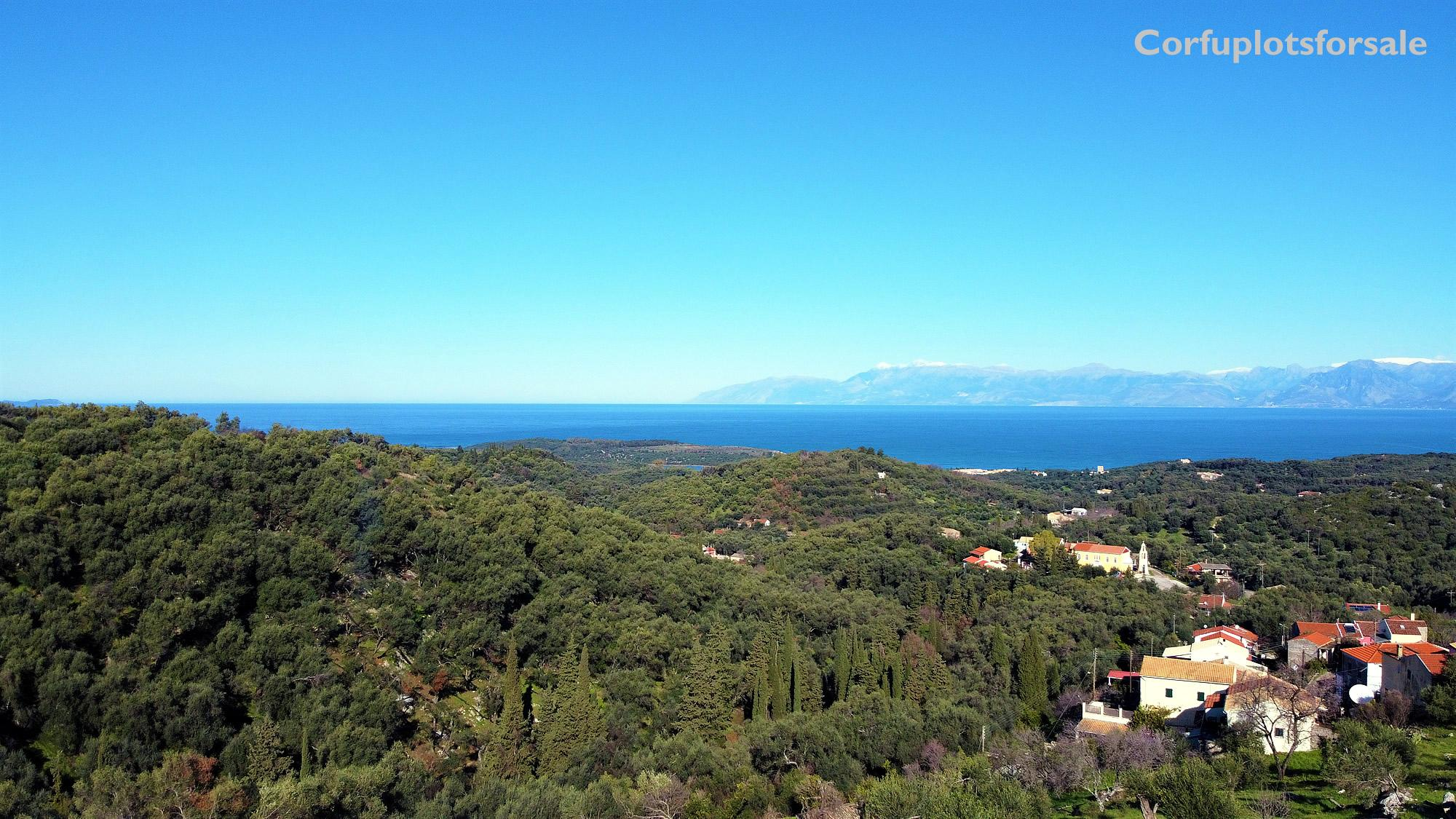 Plot in the settlement of Perithia with clear panoramic view