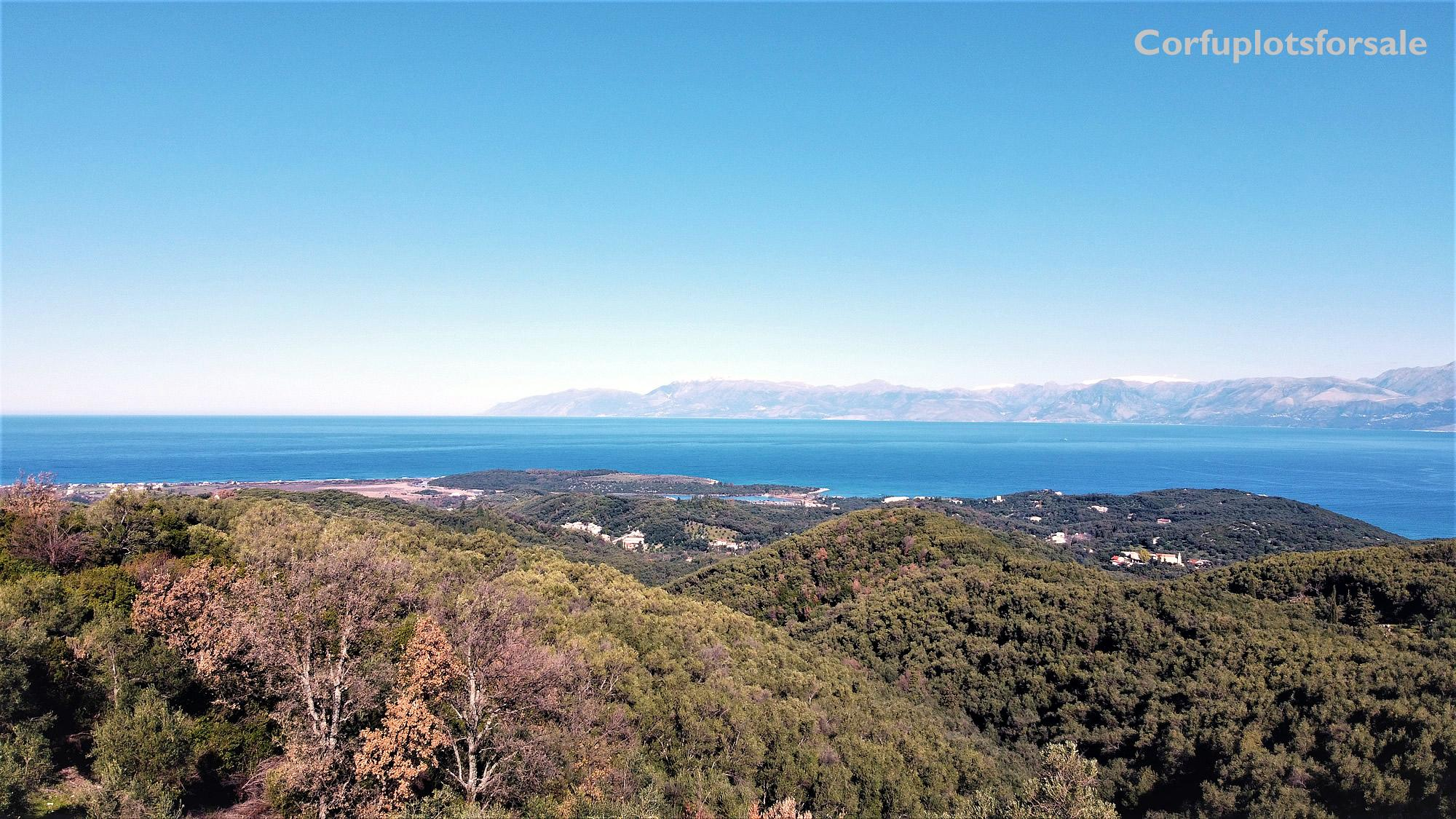 Spectacular sea view on a beautiful green hill in a bargain price !!