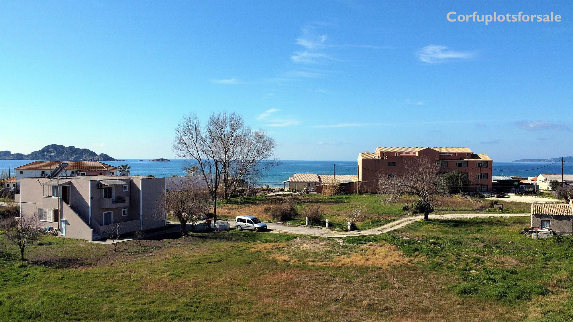 A flat plot only 140m from Arillas beach