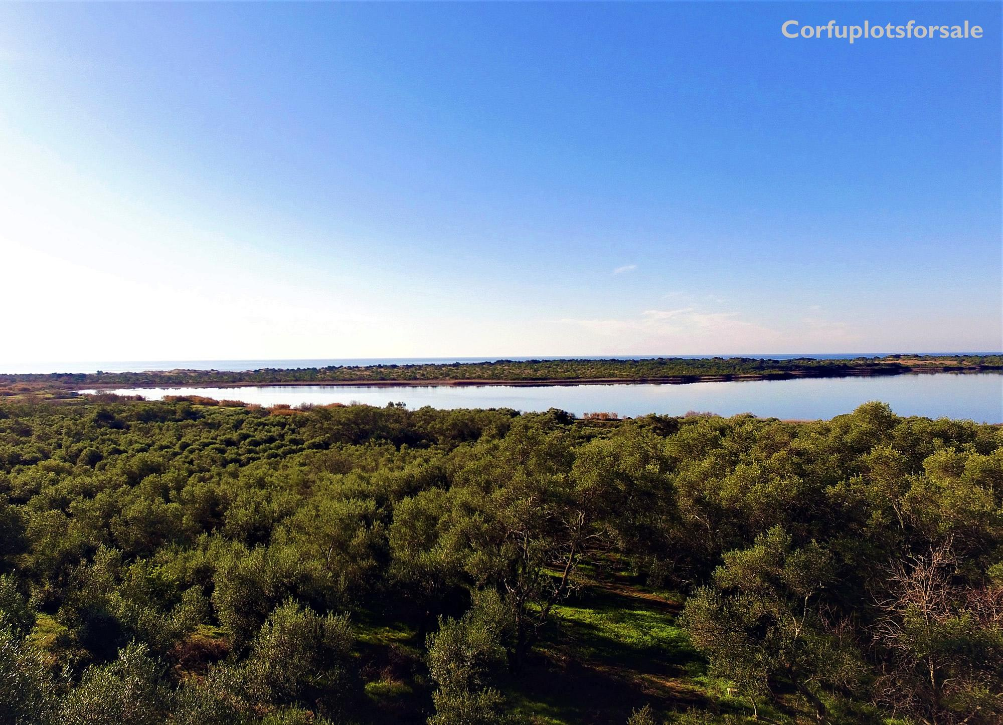 Wonderful piece of land with great view to a beautiful lake