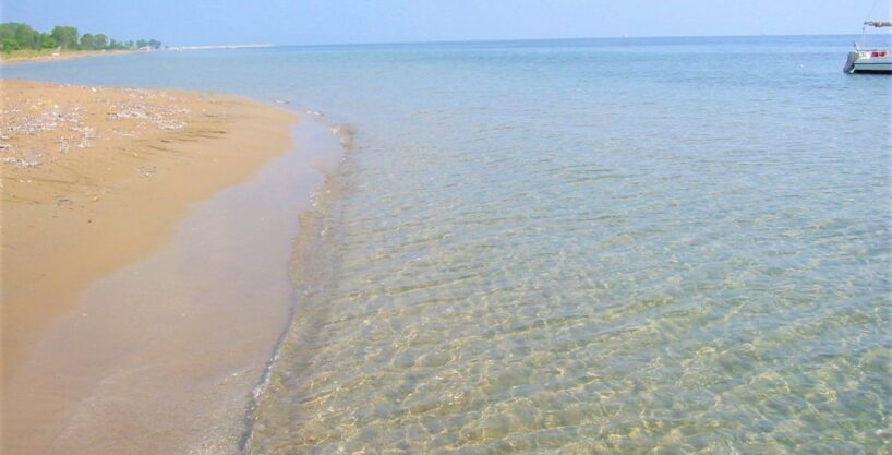 Piece of land for lovers of sandy beach