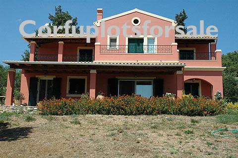 Villa of 154 sq.m with pool in Poulades area