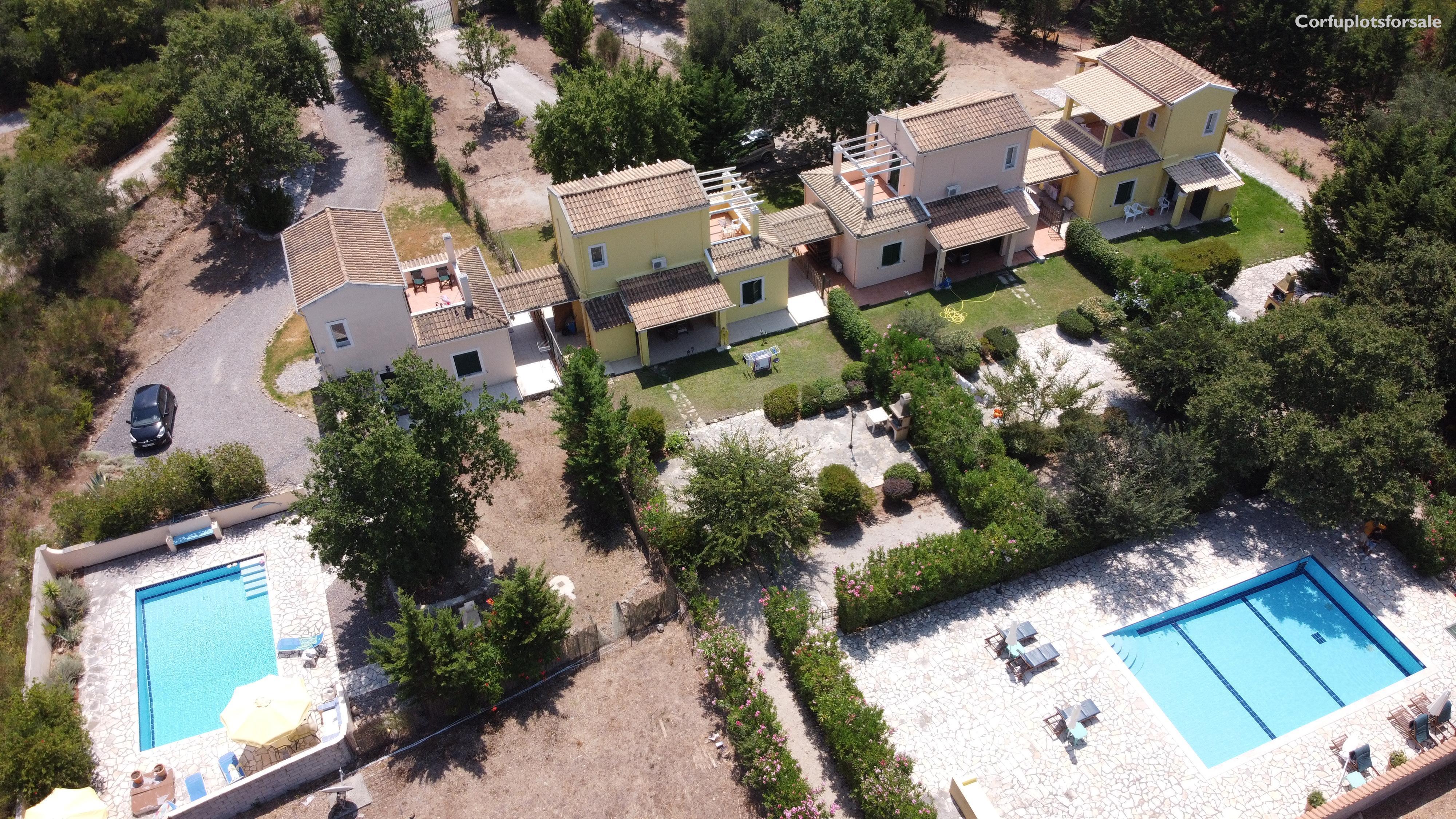 Four detached charming villas of 75 sq.m each